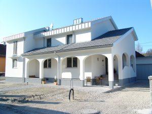 wohnhaus-in-schlu%cc%88sslberg