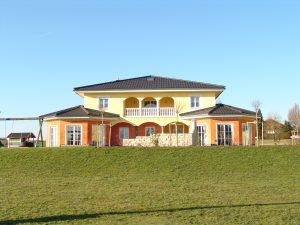wohnhaus-in-vo%cc%88cklamarkt